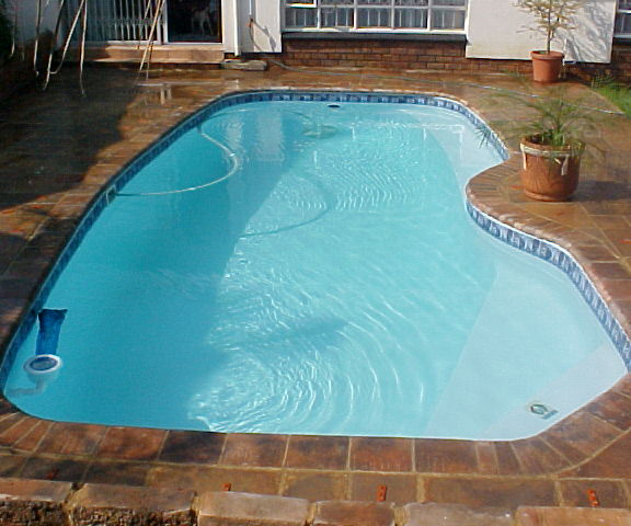 Pre-molded Fiberglass Pools